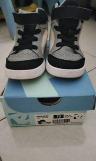 Toe Zone Shoes 9