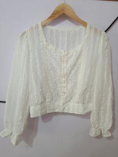 法式蕾絲短版白色上衣