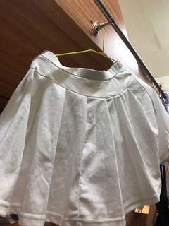 白色短裙有內襯#water