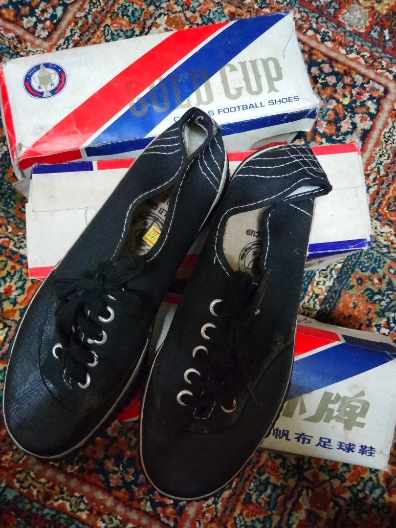 Gold cup rubber football shoes