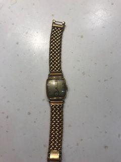 古董錶十四K錶殼咁錶帶應該唔係純金錶帶,仍然識行但係唔知準唔准確時間