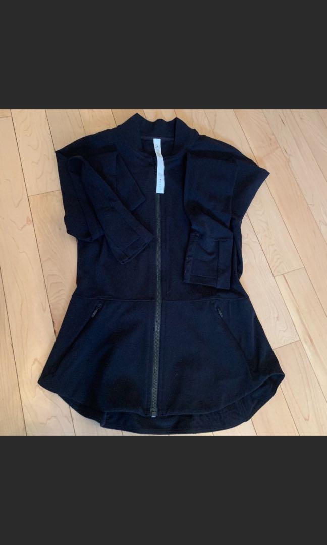 Lululemon black zip size 6