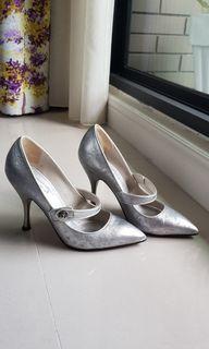 Marc Jacobs銀色瑪麗珍高跟鞋