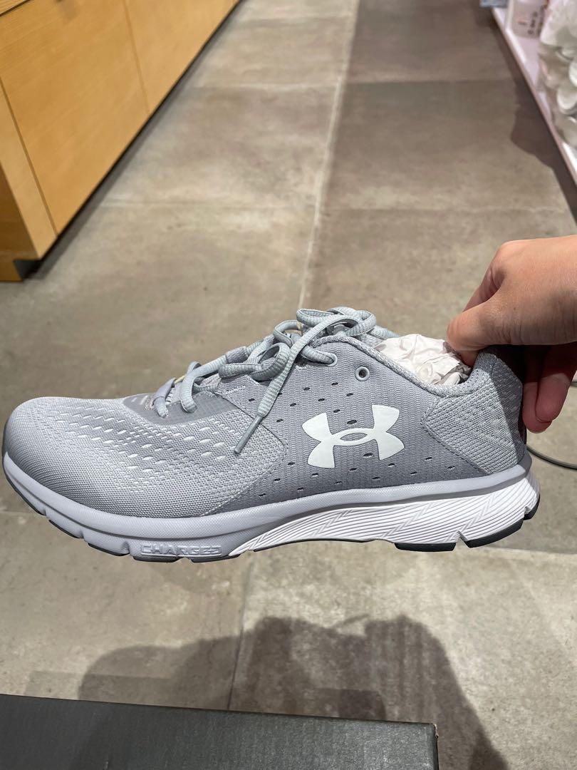 Outlet 零碼出清、全新正品Under Amour 男慢跑鞋27cm