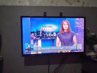 Samsung LED TV 32 inch Bonus Braket-antena dan Antar