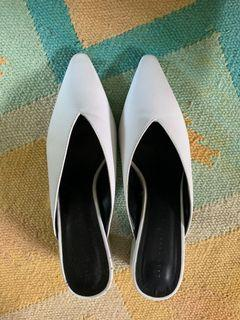 Zara white pointy chunky heel mules