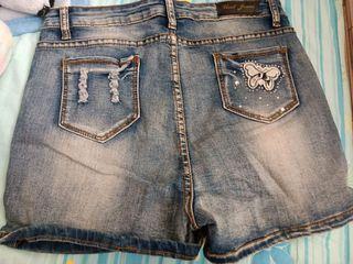 蝴蝶牛仔短褲