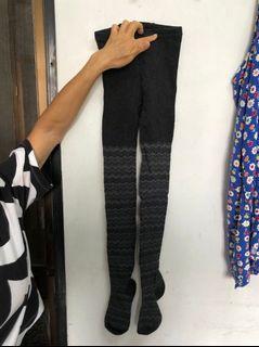 黑灰條紋保暖褲襪