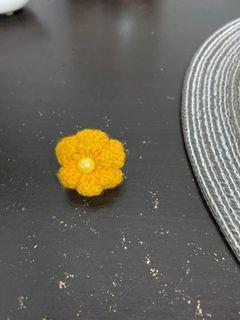 毛線黃色大花戒指