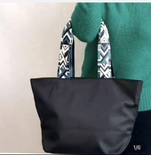 尼龍防水實用带拉鏈单肩包手提包