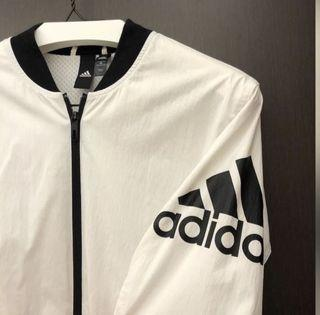 Adidas風衣外套