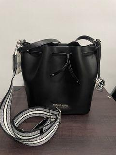 Michael Kors Eden Bucket Bag