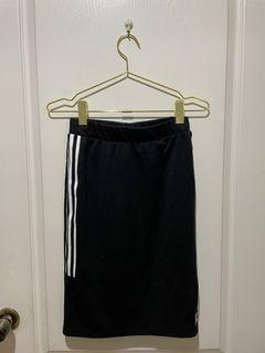 Adidas經典三葉草黑白半身裙(含運)