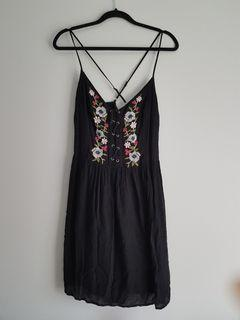 Ambercrobie & Fitch Cross-back Black Embroidered Dress