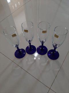 Gelas kaki wine