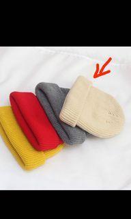 米白色短毛帽 (有灰色的