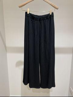 挺版 黑壓褶寬褲