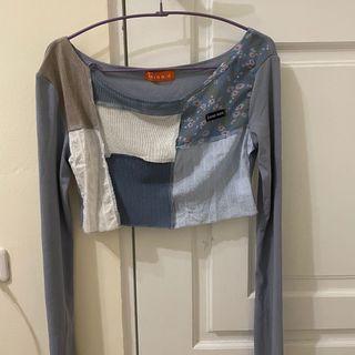 全新✨霧霾藍拼接短版上衣 可拉一字領斜肩 #母檔