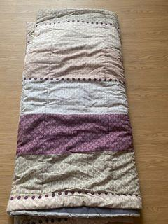 Bed cover 200