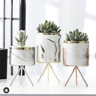 Ceramic-Porcelain Pattern, Iron Art Vase
