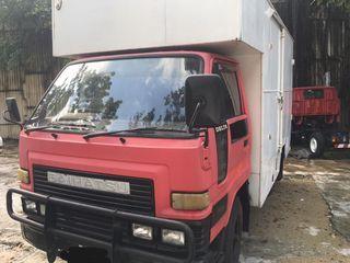 Daihatsu Delta v57