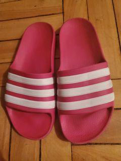 Girls size 3 Adidas Slides pink/ white