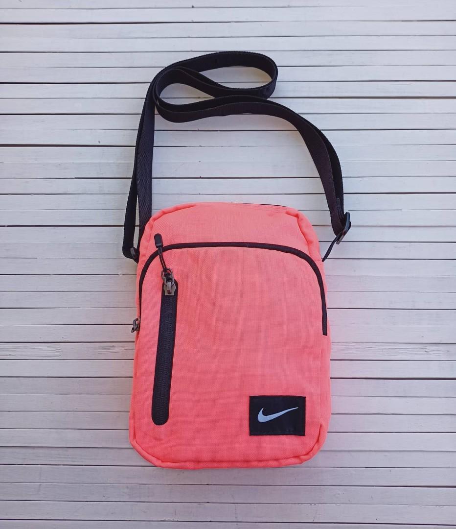 Tas Nike