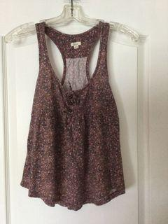 Aerie floral top. Size small. In excellent used condition, like new.