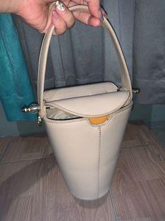 Berry benka - xierra febitha bucket shoulder handbags beige