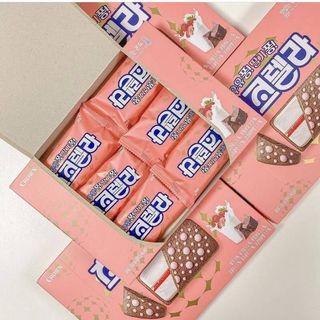 ✨韓國CROWN 草莓牛奶夾心巧克力 132g✨