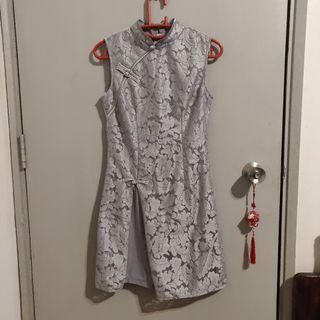 Grey sleeveless lace modern cheongsam dress