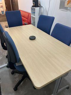 Meeting room table + chairs x 6
