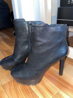Nine West high heel booties size 9