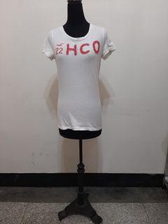 八九成新 ~ 美國製品牌 HOLLISTER 100% COTTON 白色紅標 短袖 T恤尺寸: --M --
