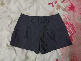 二手 uniqlo 黑色西裝短褲 S #排行榜