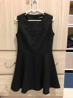 黑色無袖A字小洋裝