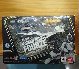 Bandai SHF Kamen Rider Fourze Machine Massigler