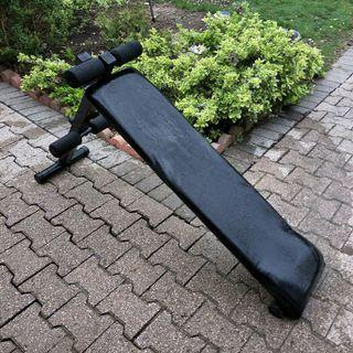 Exercise bench (sit up)