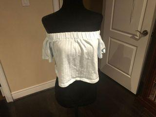 URBAN OUTFITTERS OFF SHOULDER CROP TOP