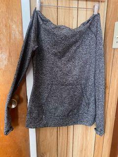 Aritzia Parklife activewear sweater salt and pepper gray