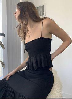 New unworn Aritzia Wilfred Dewdrop Camisole - Black - size L