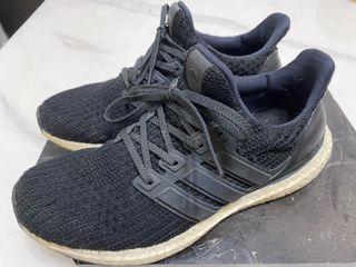 愛迪達女球鞋Ultra boost