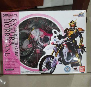 Bandai SHF Kamen Rider Gaim Sakura Hurricane