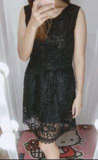 Dress brukat black