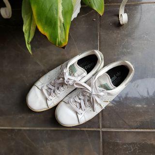 Sepatu sneakers adidas stan smith