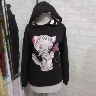 Sweater kucing