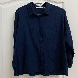UNIQLO深藍色棉麻八分袖襯衫