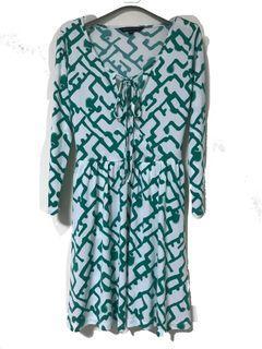 French Connection 印花 白綠鮮艷 前綁帶式 7分袖洋裝 彈性涼紗