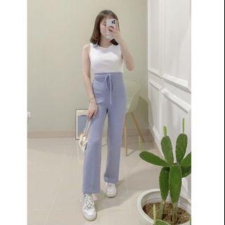 Jihye pants her apparel