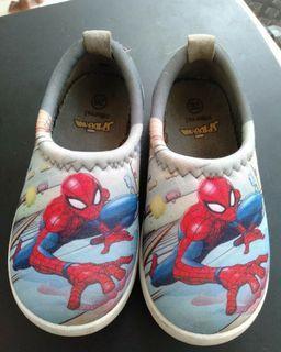 Sepatu anak Spiderman preloved